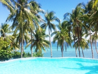 Infinity Pool des Anda White Beach Resorts Bohol