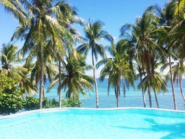 Infinity Pool des Anda White Beach Resorts Bohol