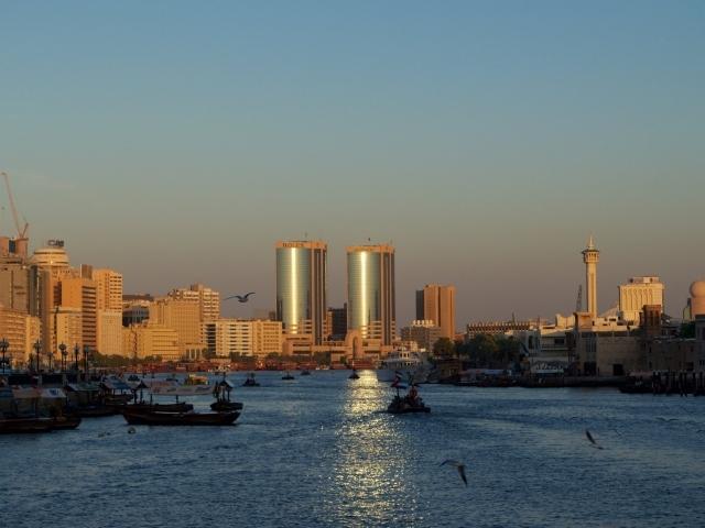 Sonnenuntergang und Abras am Dubai Creek