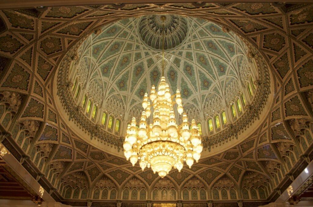 Luster in der Sultan-Qabus-Moschee Muscat