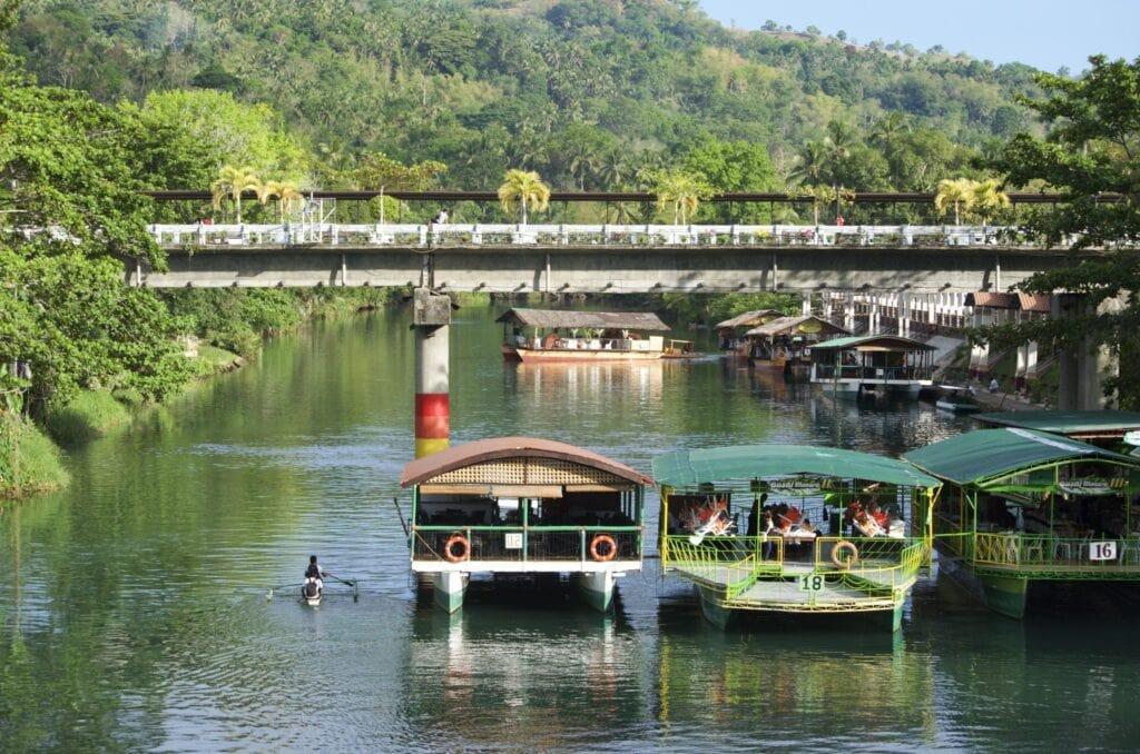 Boote am Loboc River