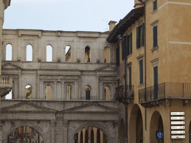 Porta dei Borsari Verona