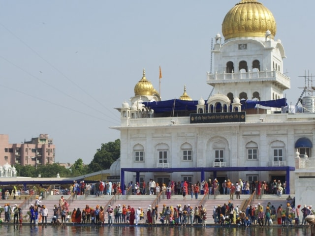 Gurudwara Bangla Sahib Sikhs beim Bad