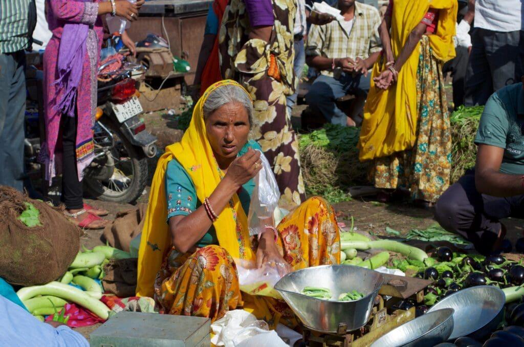 Verkäuferin am Markt in Jaipur
