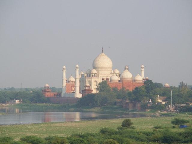 Blick aufs Taj Mahal vom Roten Fort aus