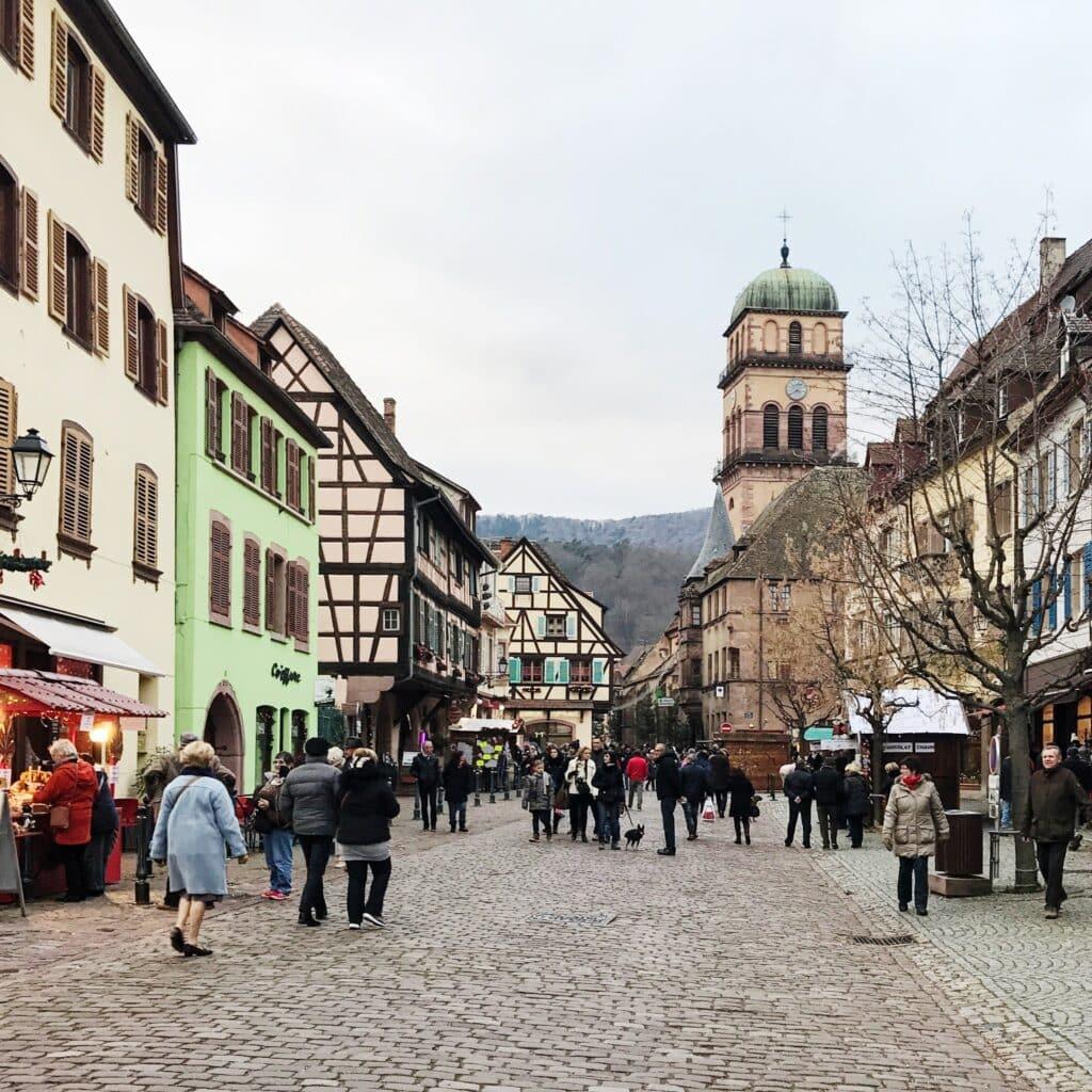 Hauptplatz in Kaysersberg Elsass