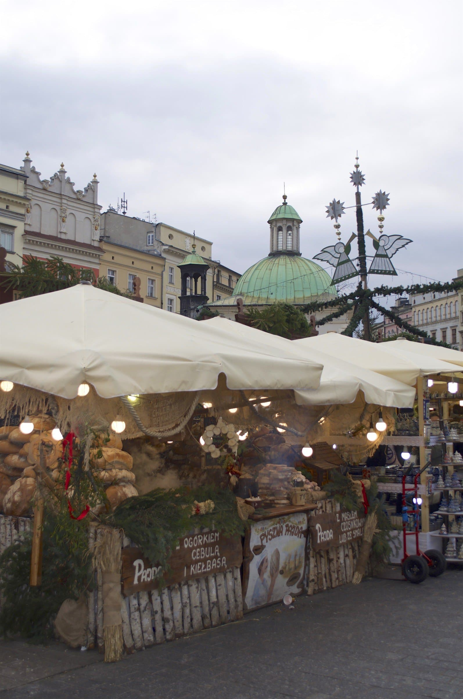 Holzofenbrot am Weihnachtsmarkt in Krakau