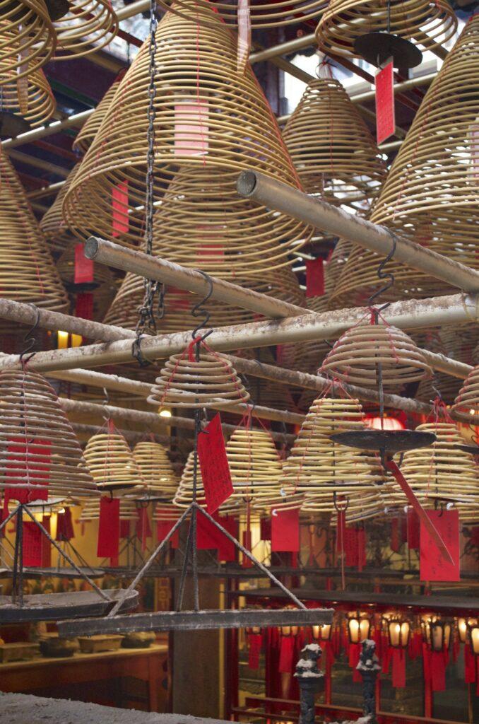 Räucherspiralen im Man Mo Tempel Hongkong
