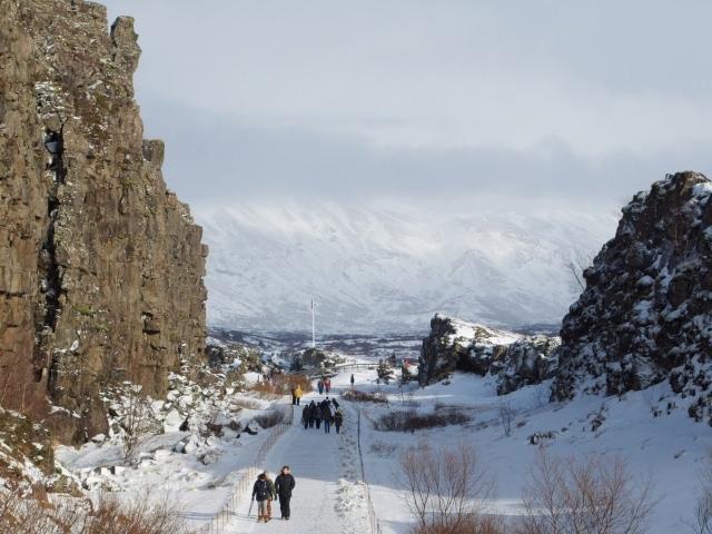 zwischen den Kontinentalplatten in Thingvellir Island