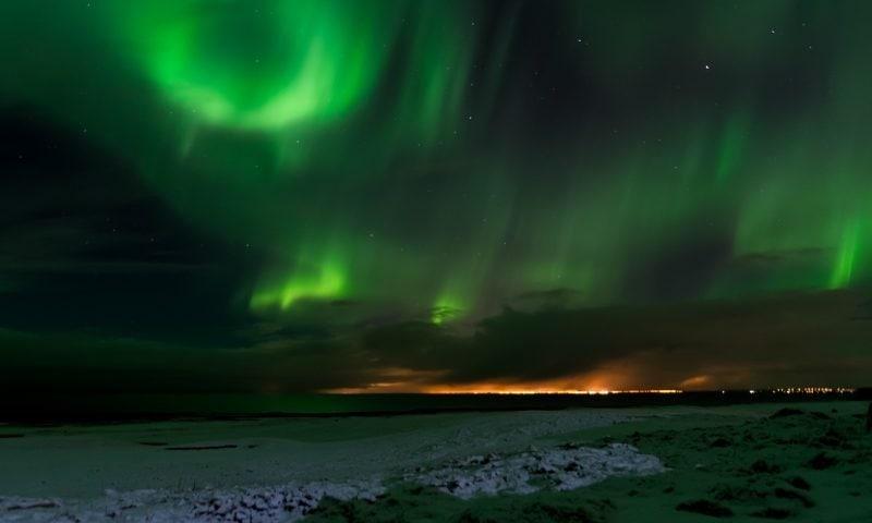 Island im Winter und Nordlichter