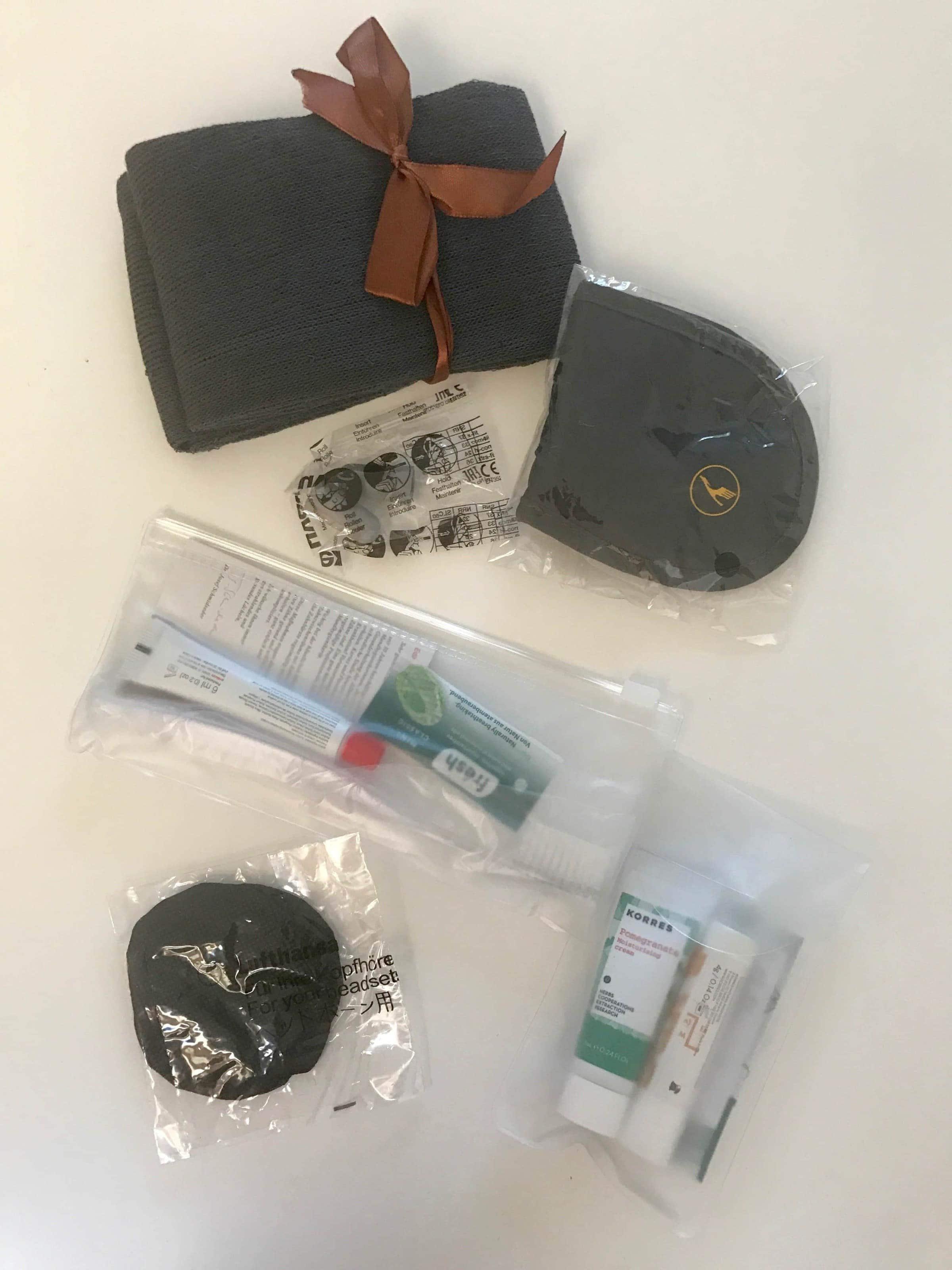 Inhalt des Amenity Kits bei Lufthansa