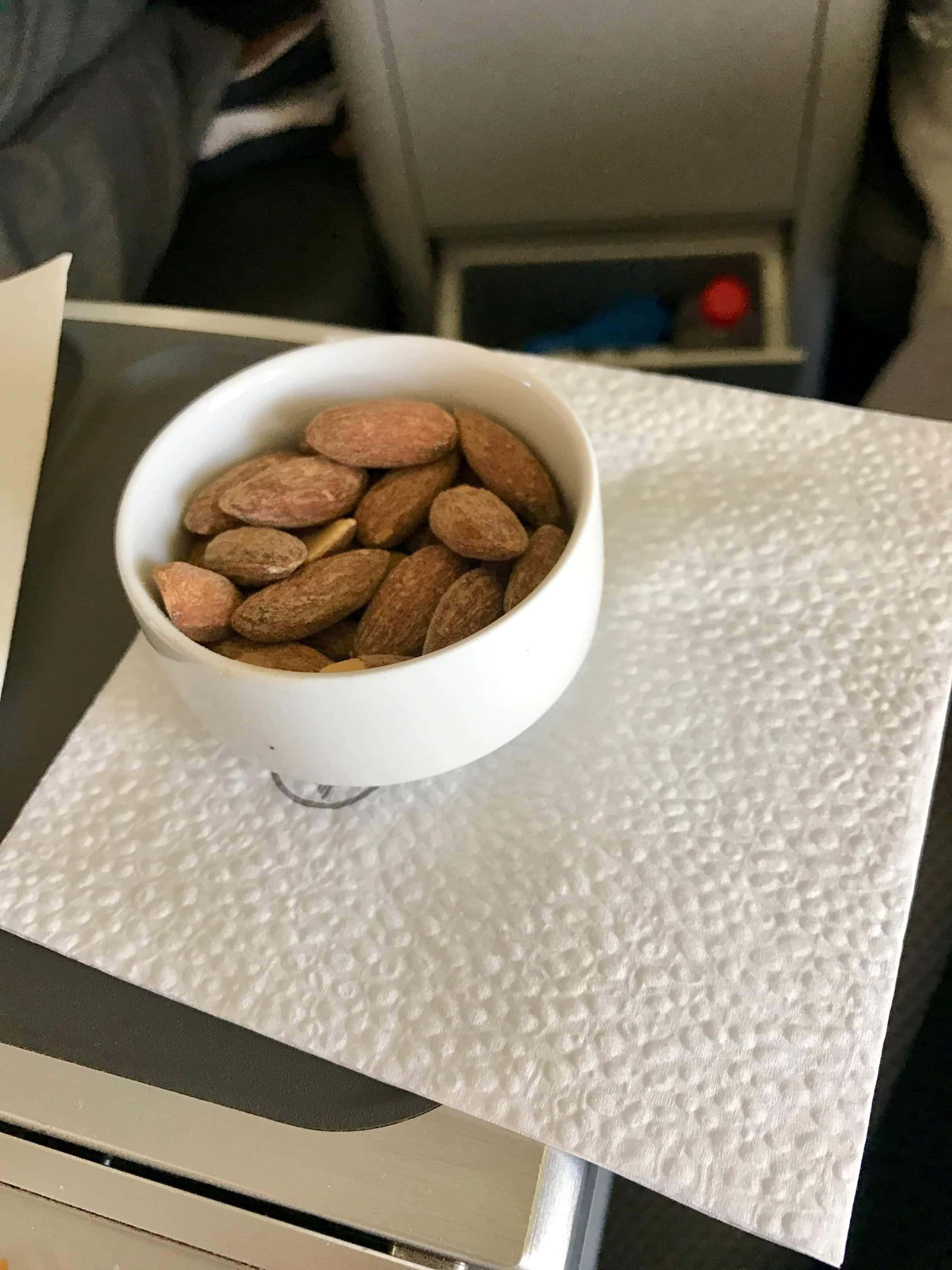 Apertif in der Businessclass von Lufthansa
