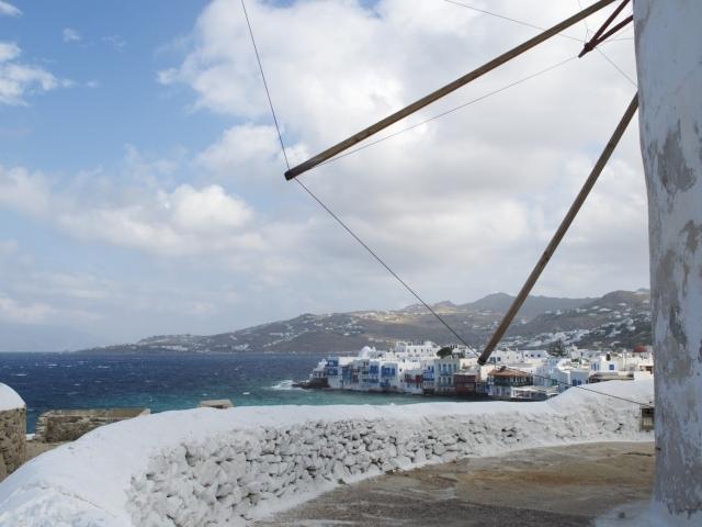 Blick von den Windmühlen auf Klein Venedig in Mykonos