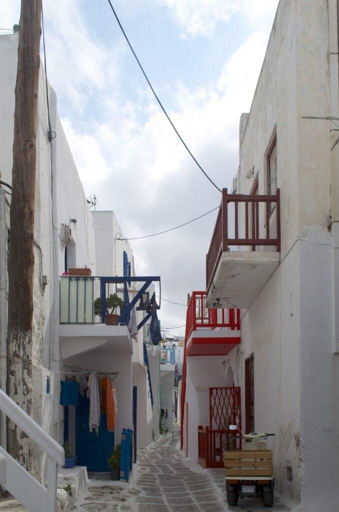 bunte Balkone in Mykonos