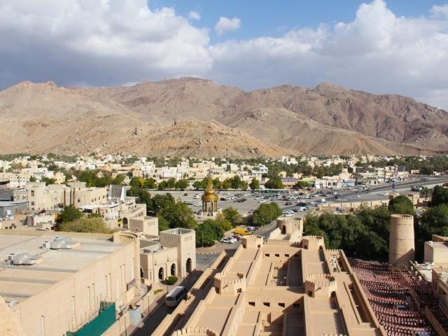 Dächer der Oase Nizwa in Oman