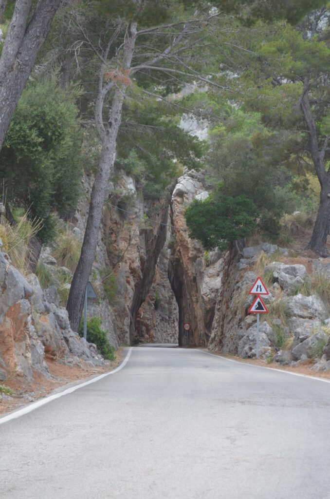 Engstelle auf der Straße nach San Calobra