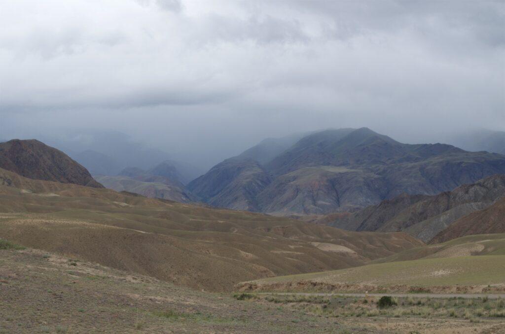 Songköl auf dem Weg zum Kalmak-Ashuu-Pass