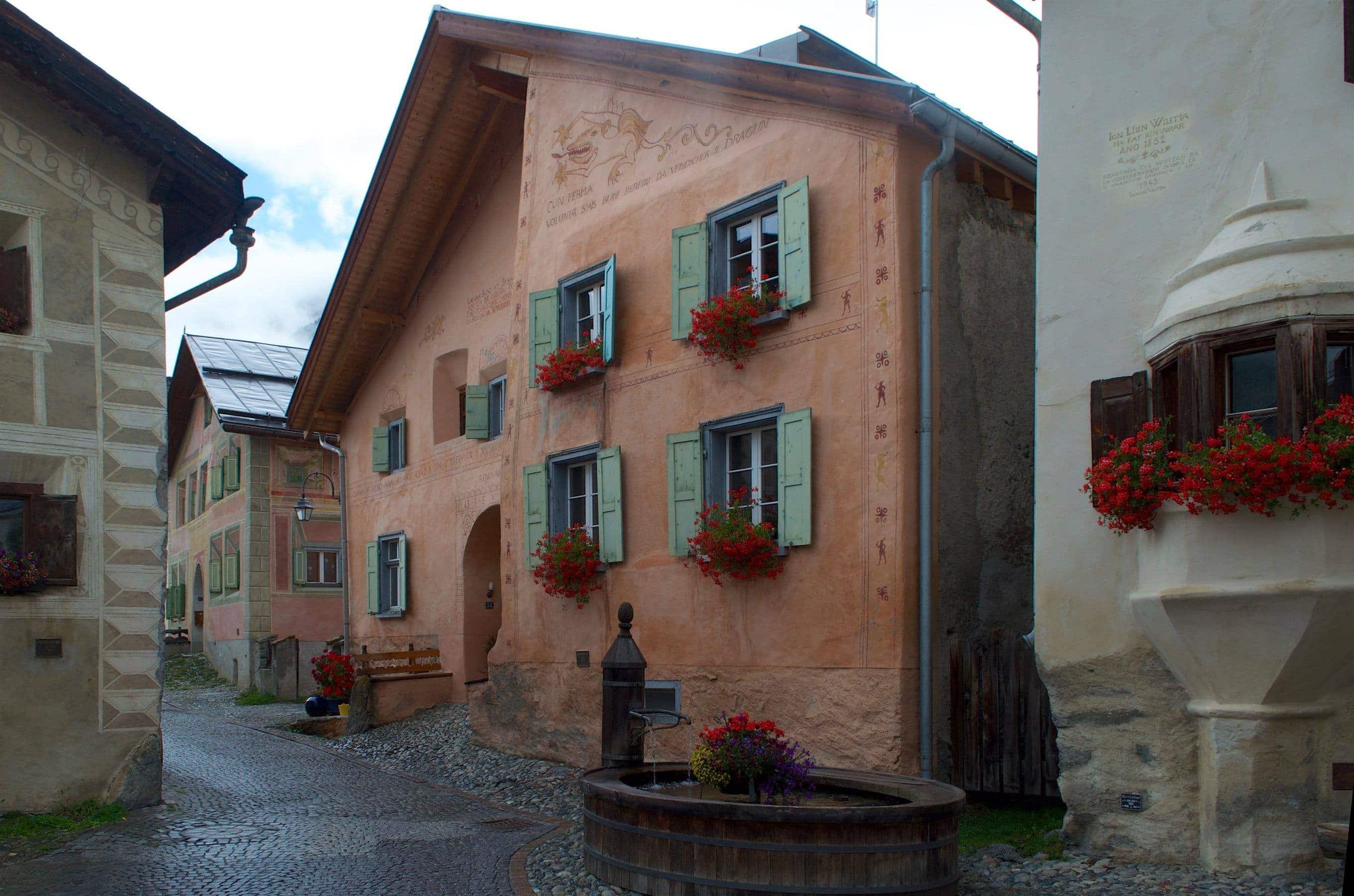 Guarda, eines der schönsten Dörfer der Schweiz