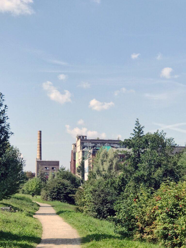 Fabrik gegenüber dem Industriemuseum in Chemnitz