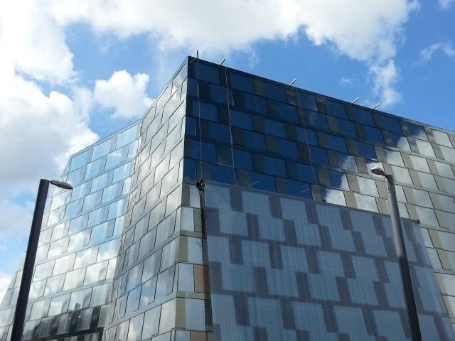 Glasfassade der Universitätsbibliothek Freiburg