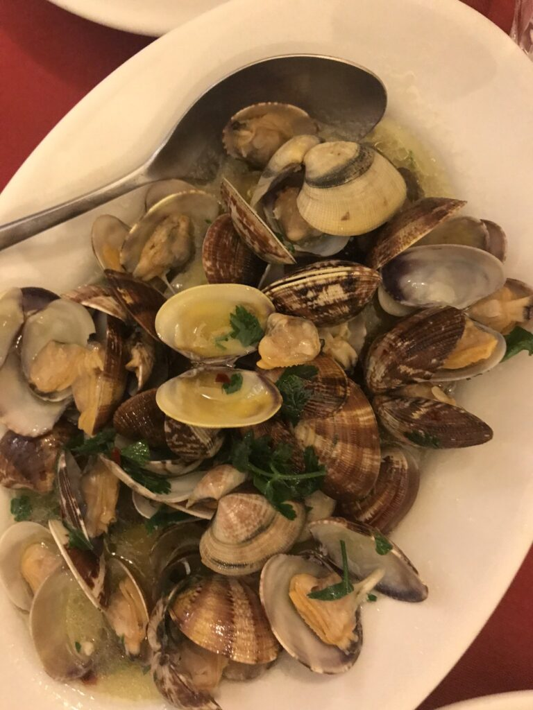 Vongole in der Trattoria La Campagnola (Best of Naples Foodtour)