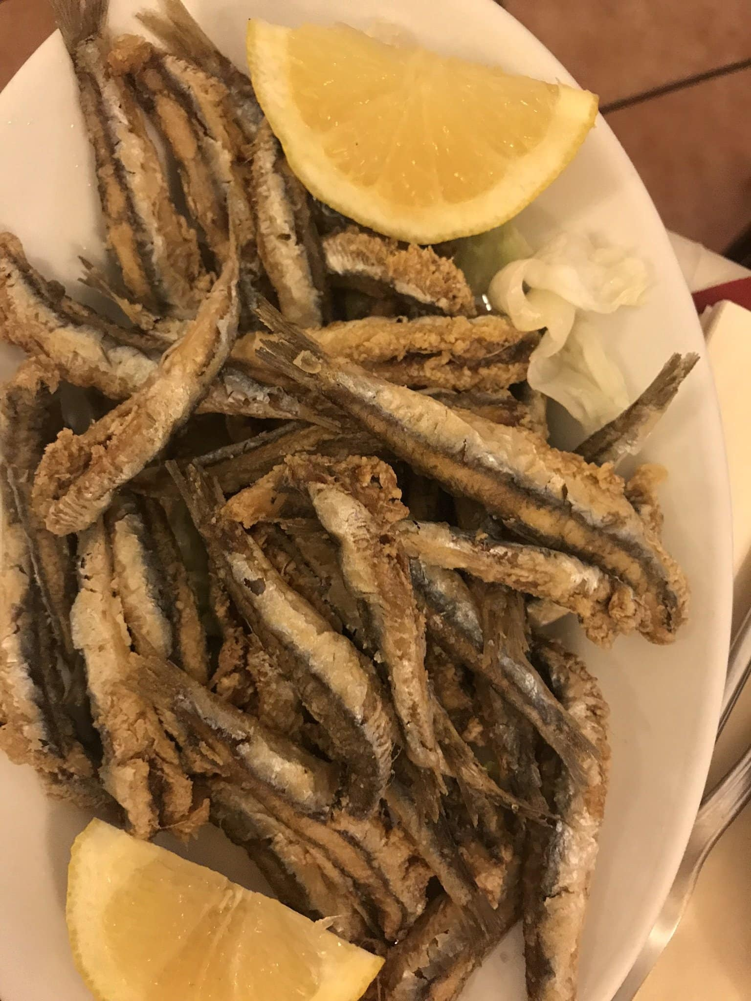 Frittierte Sardinen in der Trattoria La Campagnola (Best of Naples Foodtour)