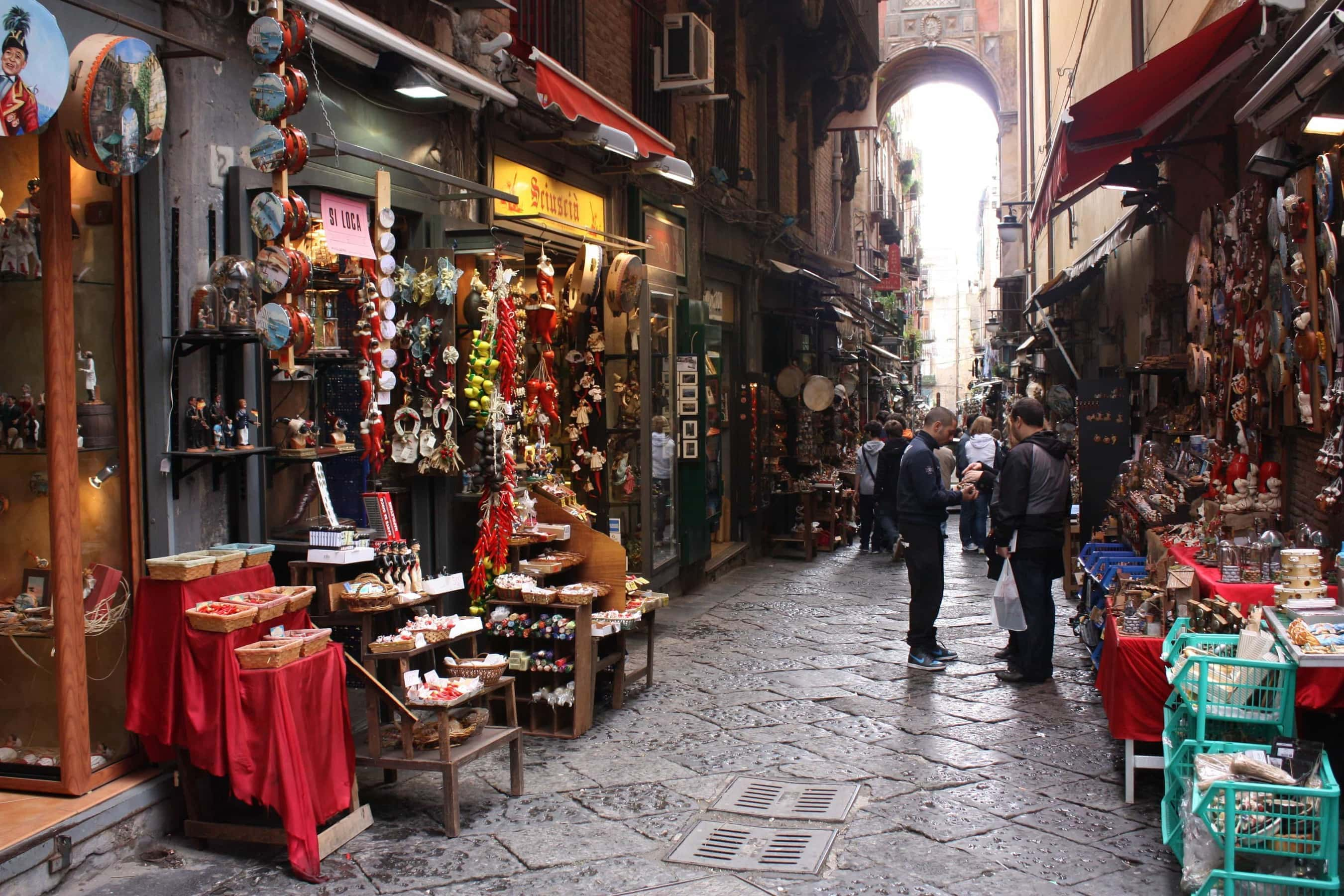 Neapel Via San Gregorio Armeno
