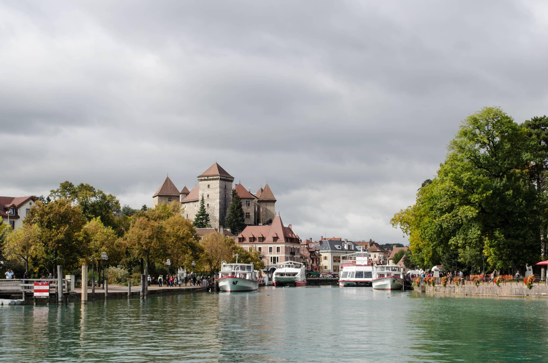 Lac d'Annecy und Schloss