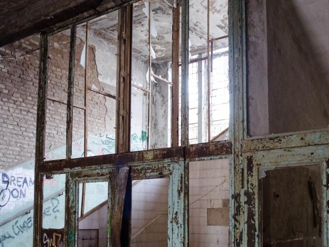 Aufzug in der Alten Chirurgie der Beelitz-Heilstätten