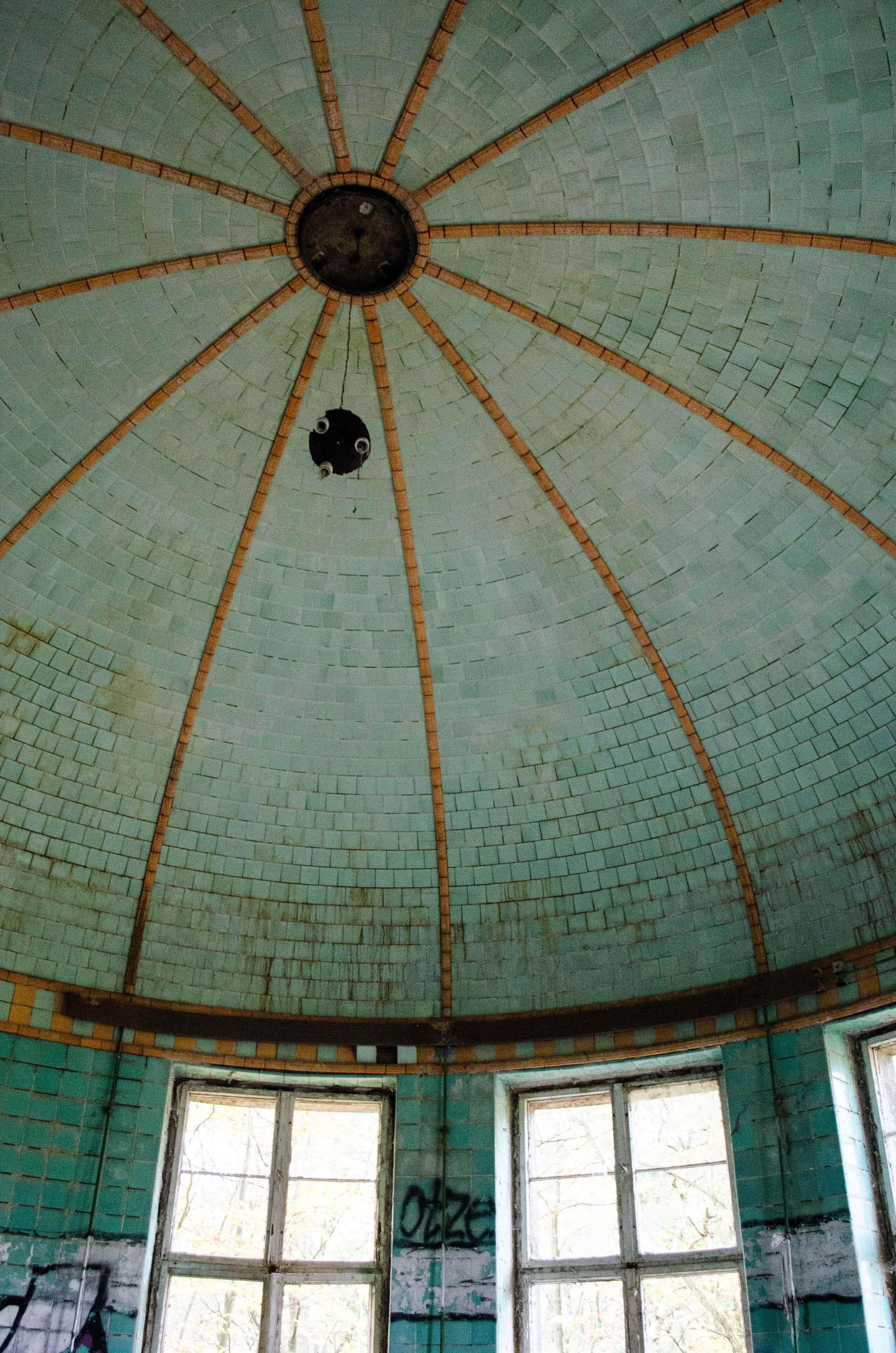 Badehaus in den Beelitz-Heilstätten