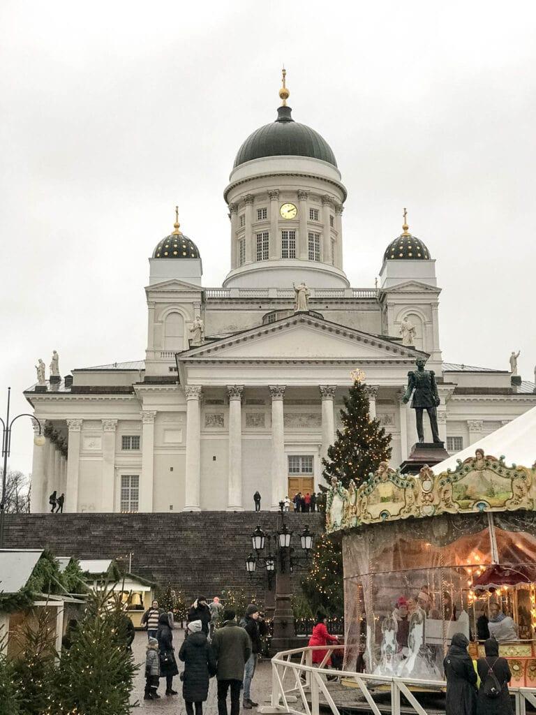 Weihnachtsmarkt vor dem Dom