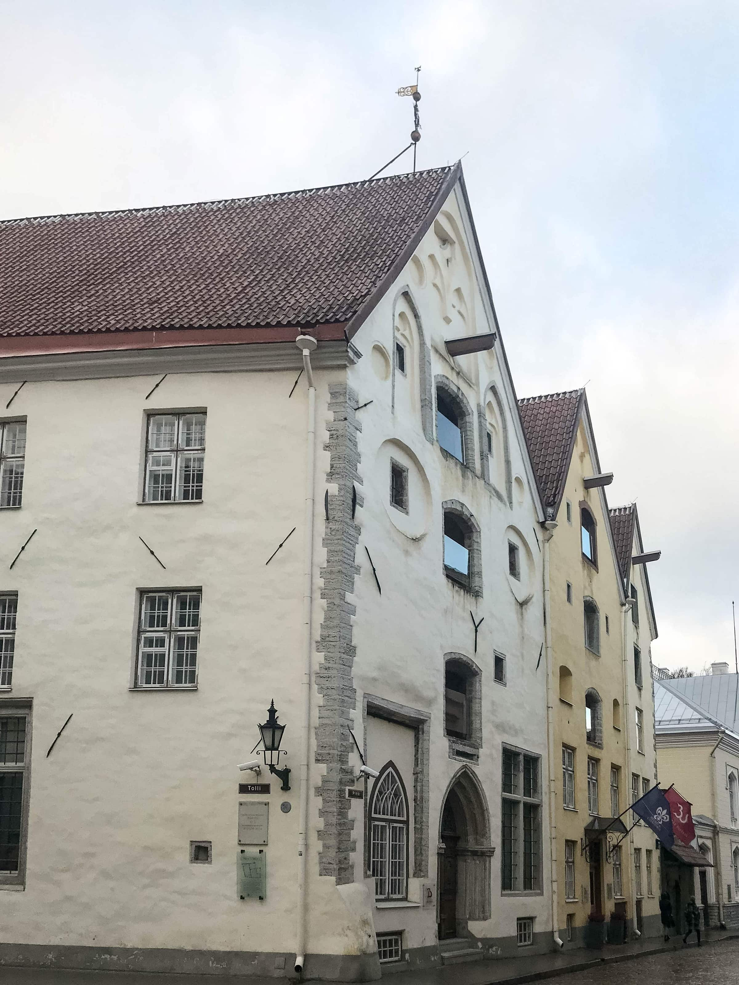 Drei Schwestern in Tallinn