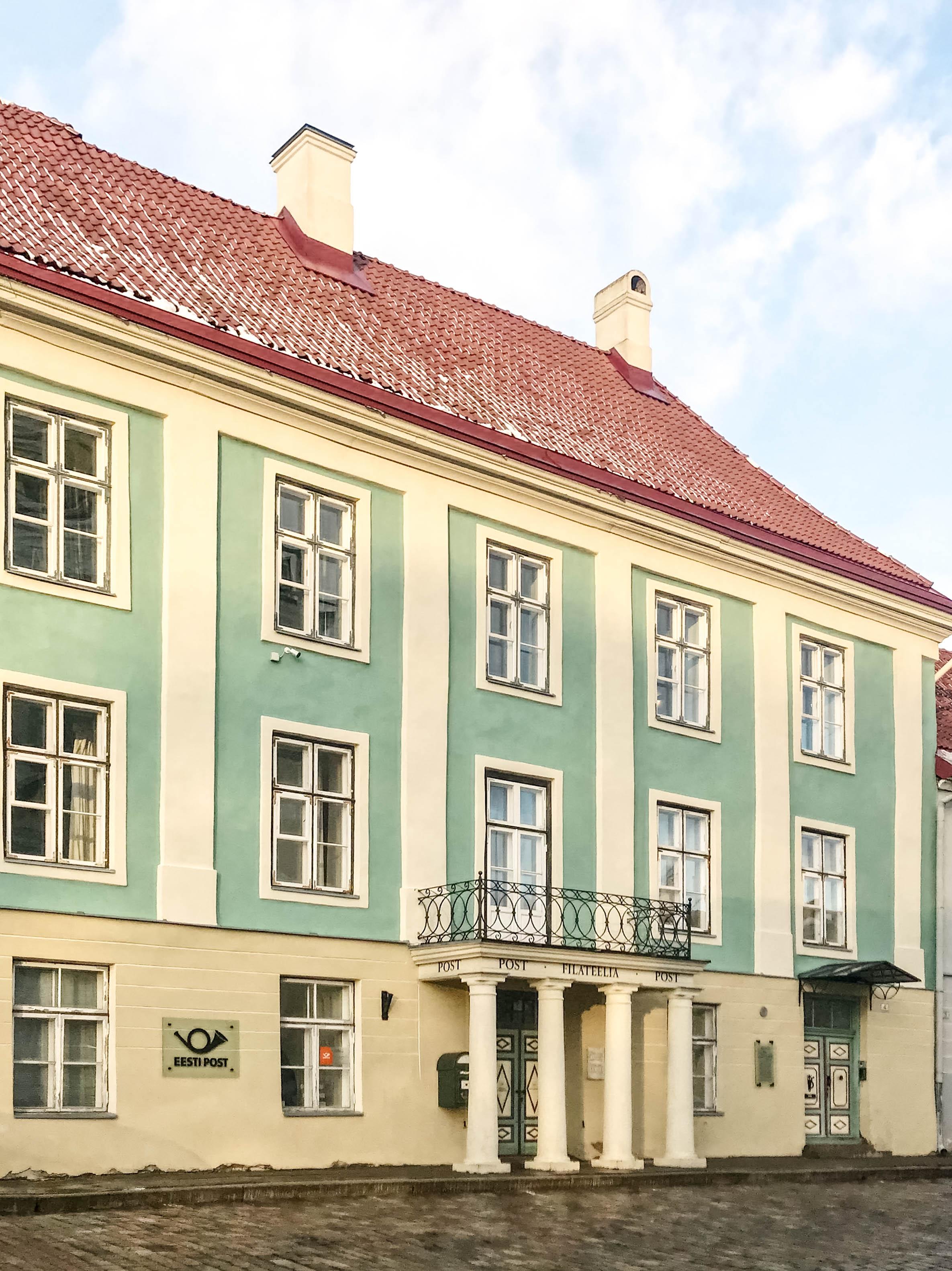 Post am Domberg Tallinn