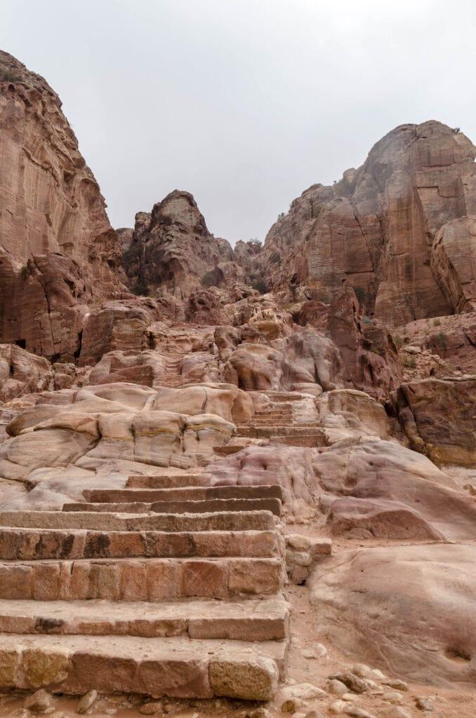 Aufstieg zum Opferplatz in Petra