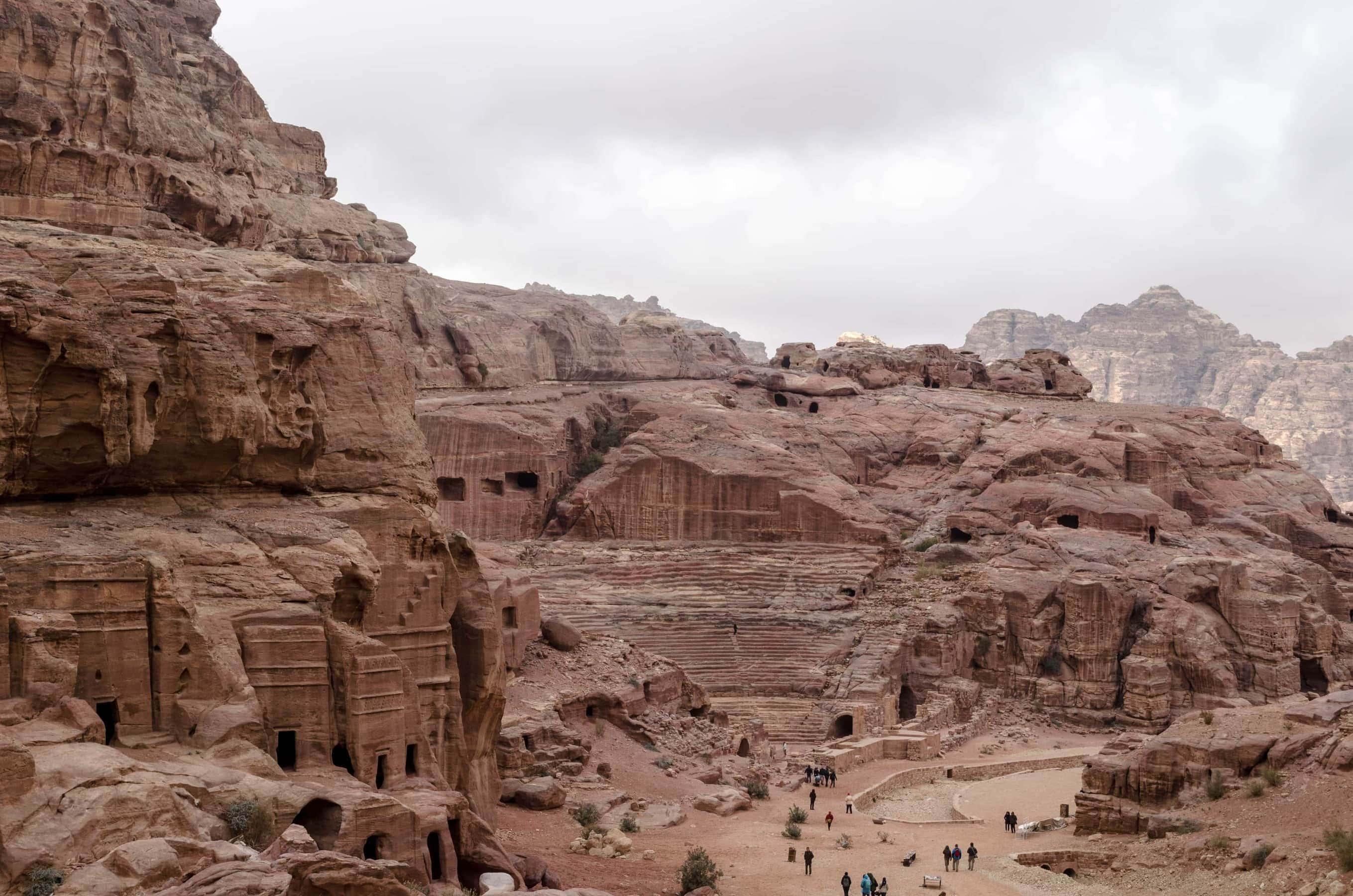 Blick auf das Theater in Petra von oben