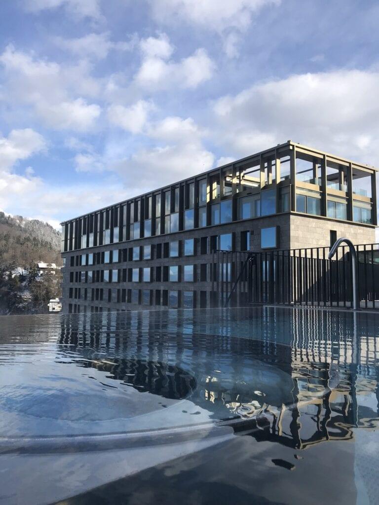 Bürgenstock Hotel und Infinity Edge Outdoor Pool