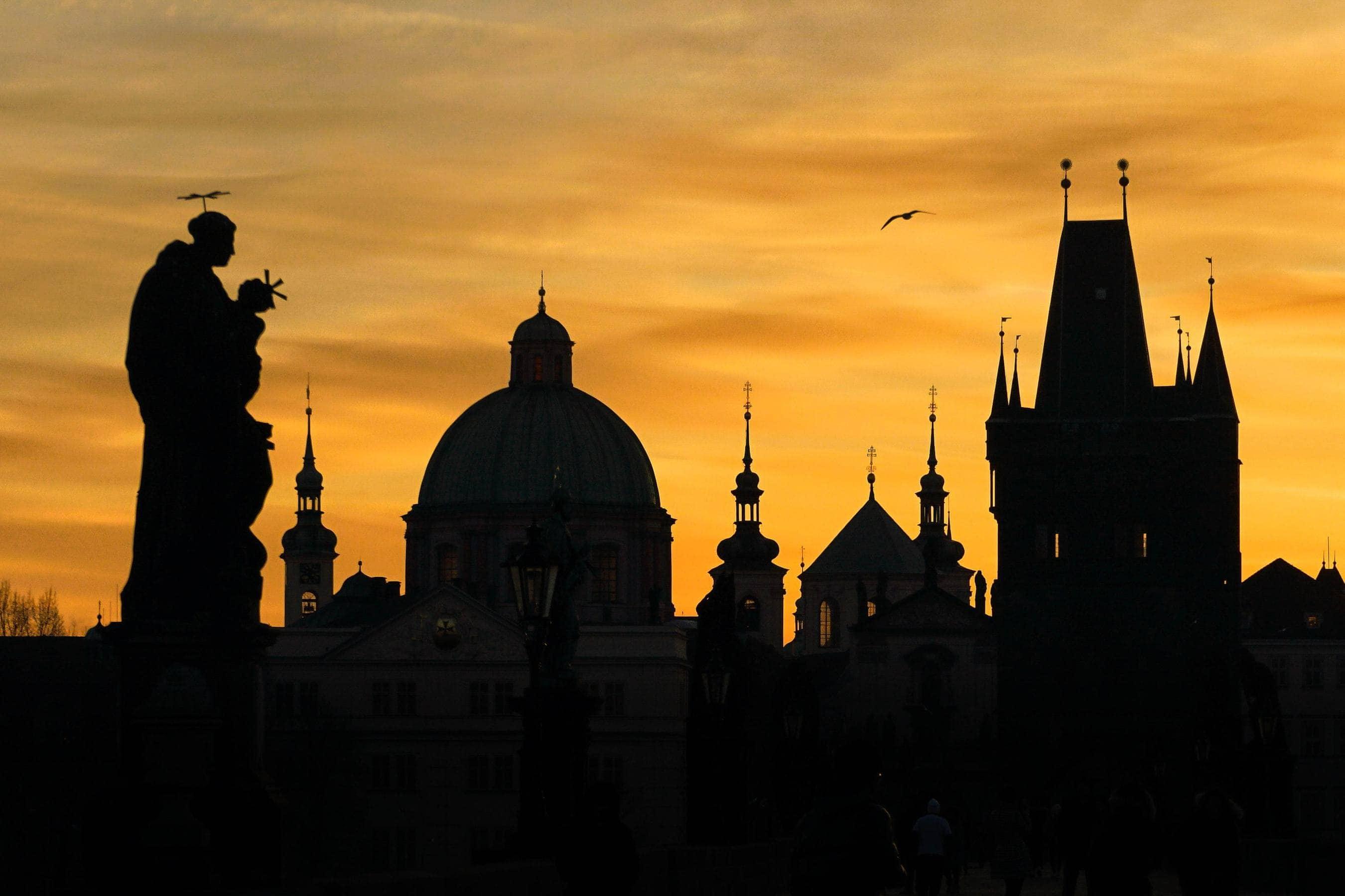 Fotospots in Prag: Karsbrücke bei Sonnenaufgang