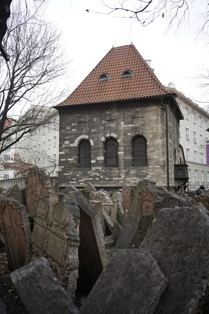 Sehenswürdigkeiten in Prag: jüdischer Friedhof in Josefov
