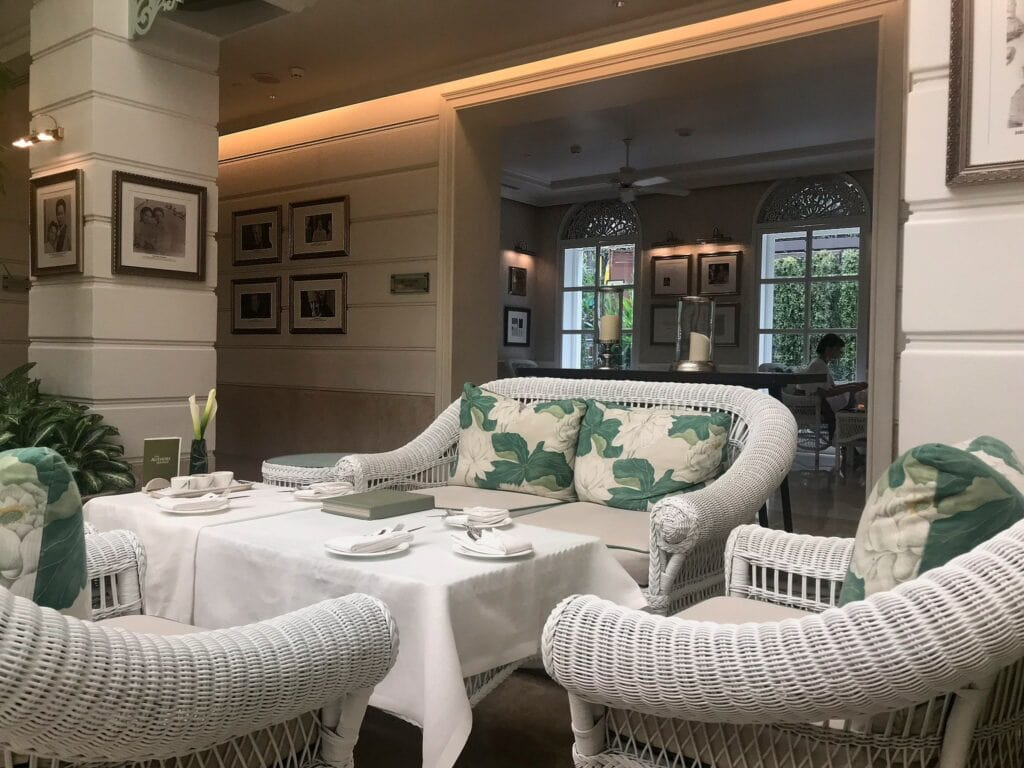 Afternoon Tea in der Author's Lounge im Mandarin Oriental Bangkok