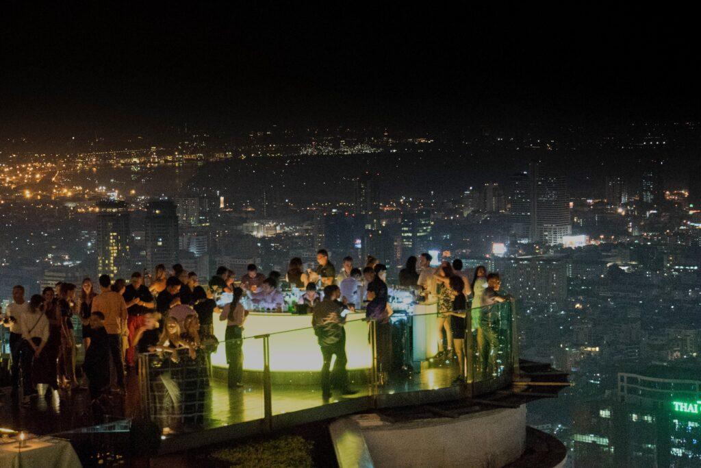 Ausblick von der Sky Bar am Lebua Tower in Bangkok