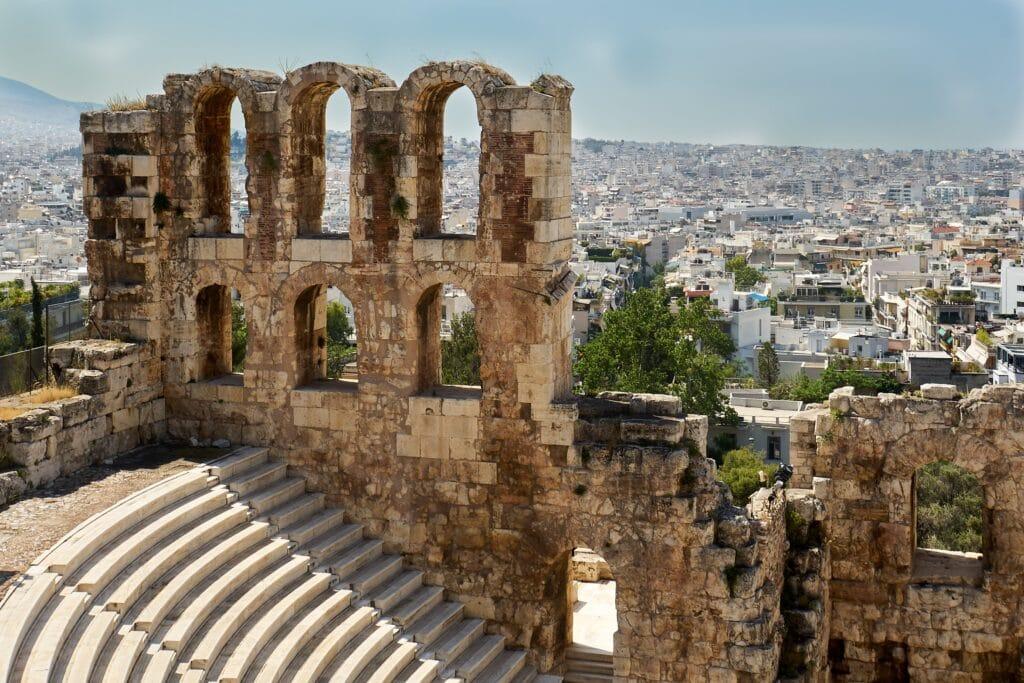 Odeon des Herodes Atticus am Fuße der Akropolis in Athen
