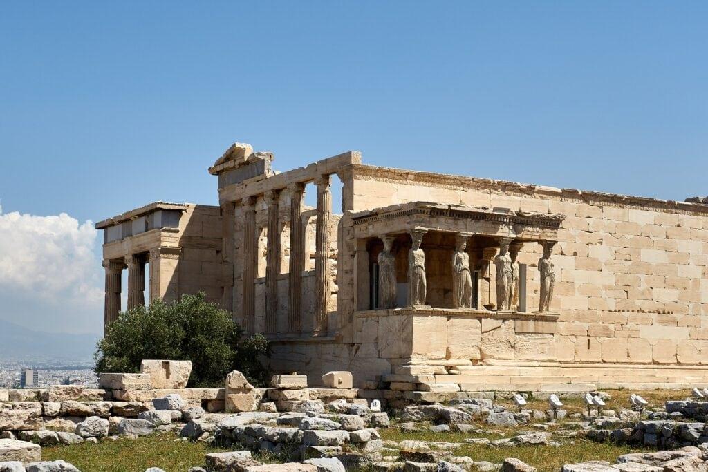 der alte Athena Tempel auf der Akropolis in Athen