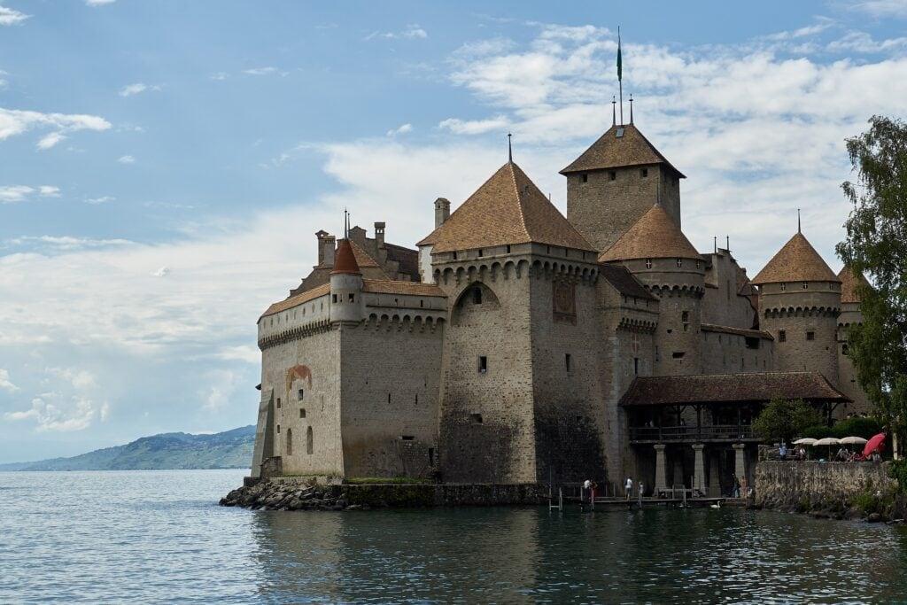 Schloss Chillon von der Landseite aus gesehen