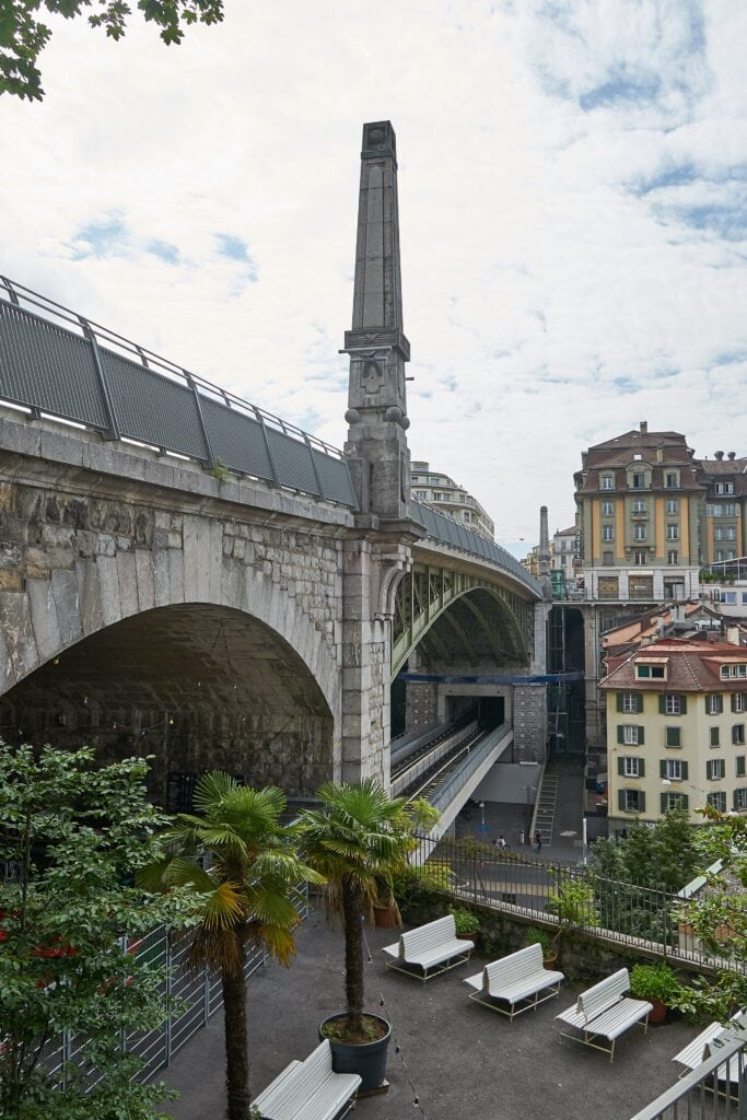 Brücke und Gleise der Metro in Lausanne
