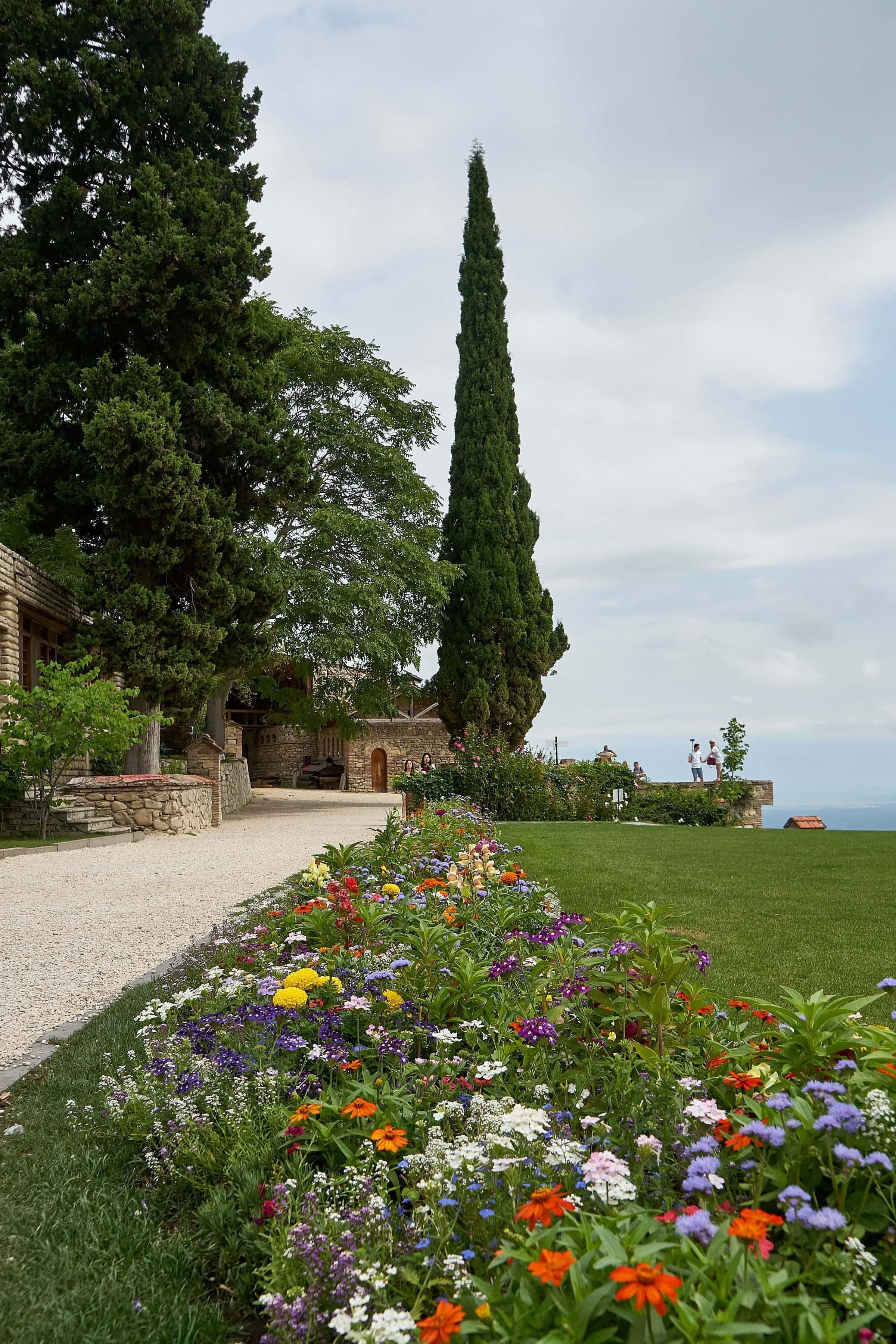 Blumengarten im Kloster Bodbe