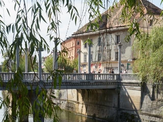 Schusterbrücke über die Ljubljanica