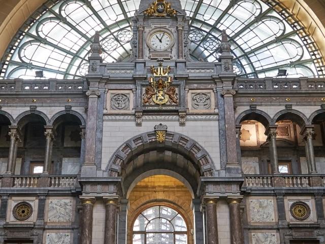 Treppe im Hauptbahnhof Antwerpen