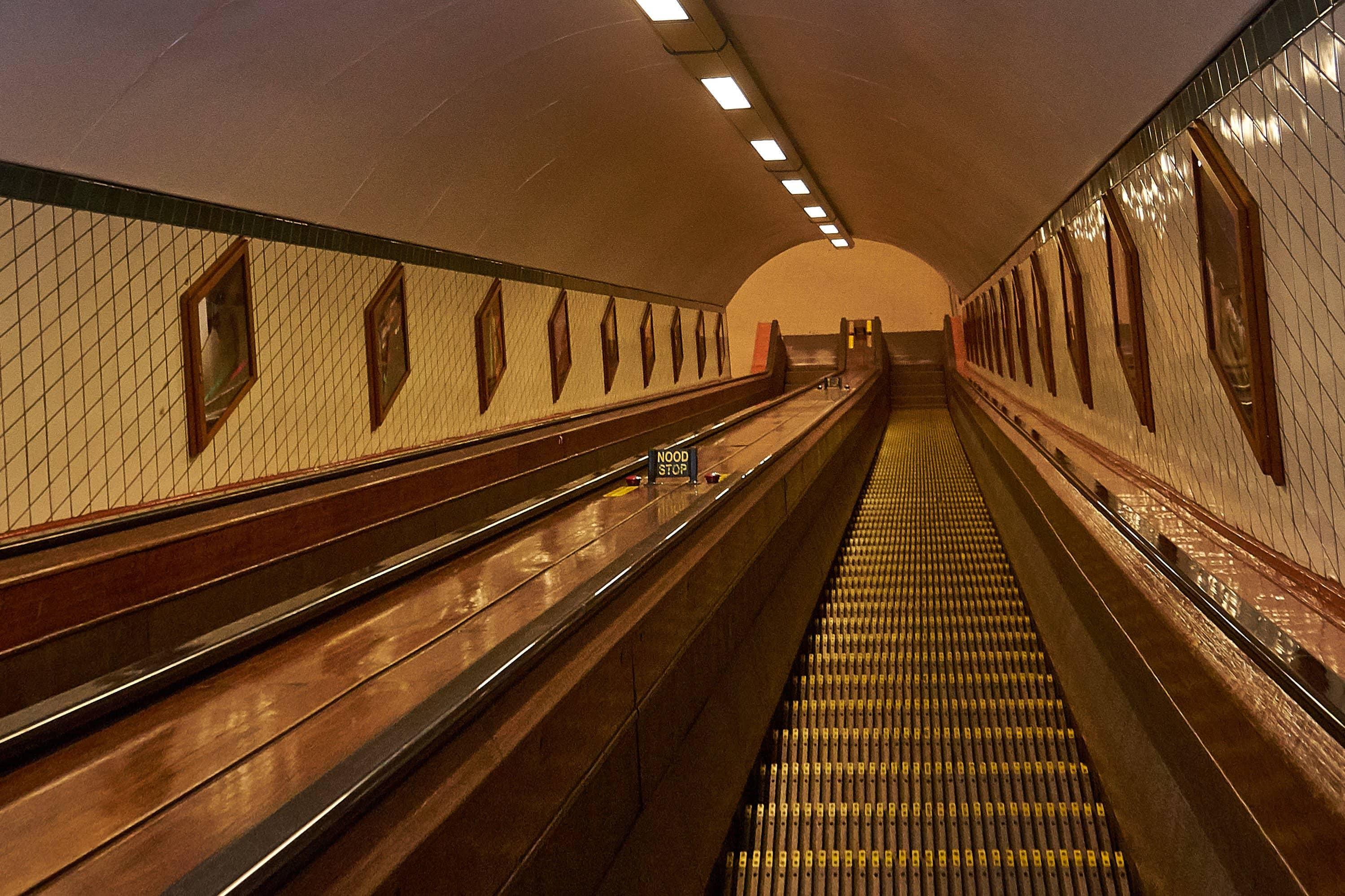 Rolltreppe zum Sint Anna Tunnel Antwerpen