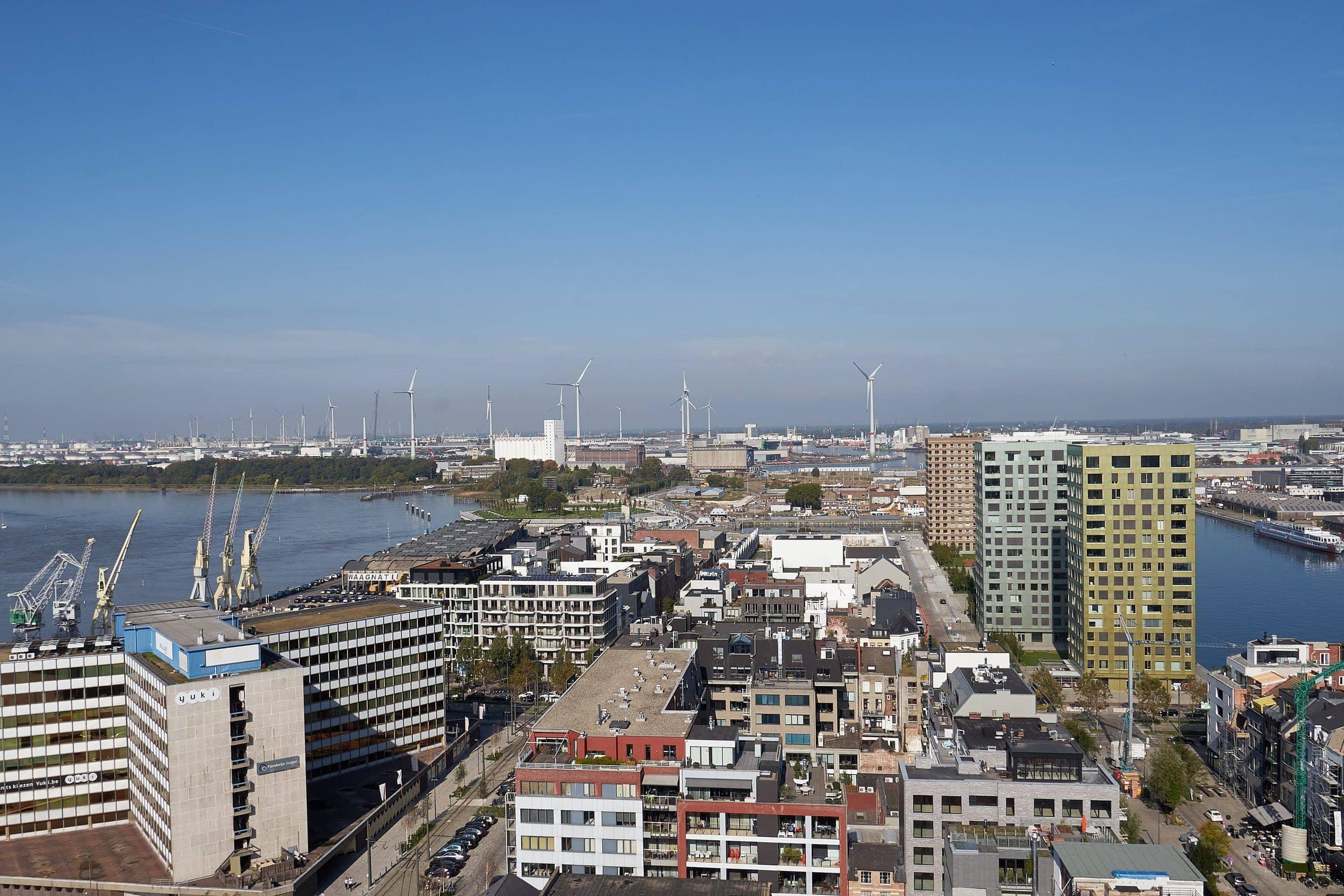 Blick von der Aussichtsplattform des MAS über den Hafen Antwerpen