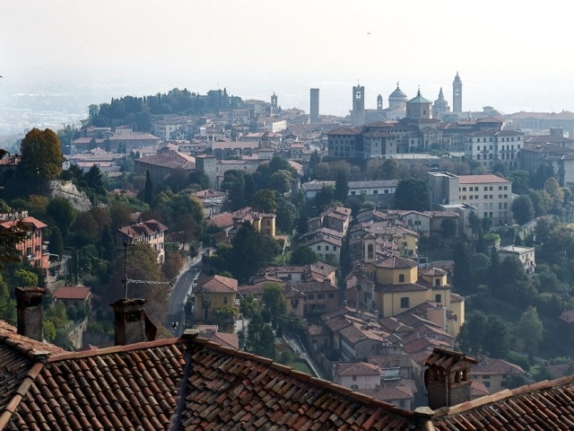 Ausblick auf die Altstadt von der Seilbahnstation San Vigilio